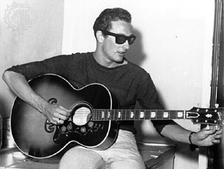 Buddy Holly plays jumbo